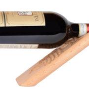 Magischer Weinhalter aus Holz